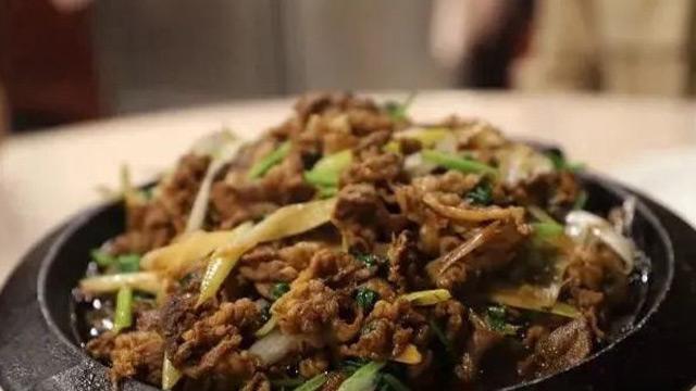 """烤肉宛:烤牛肉被誉""""赛豆腐"""""""
