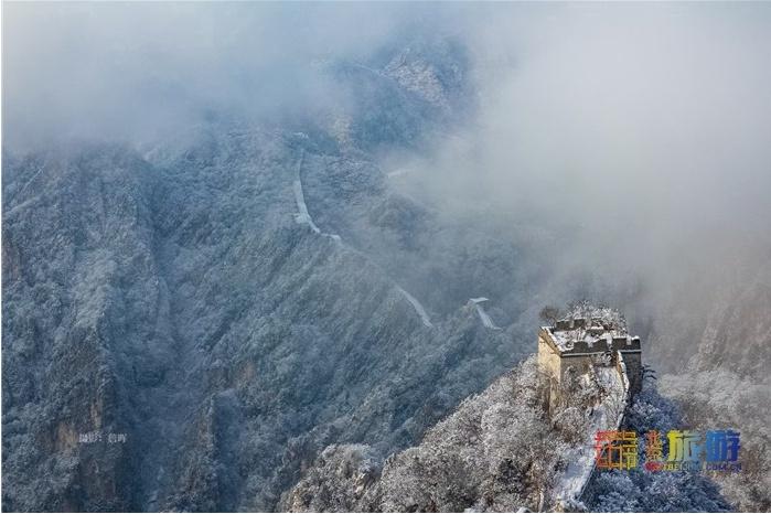 雪中的慕田峪長城,云霧繚繞宛若仙境