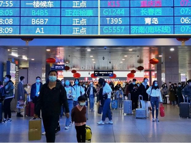 Китайские железные дороги 1 мая перевезут 17 млн человек