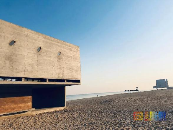 离北京近在咫尺的仙境海岛,藏着最迷人的海和最诗意的建筑!