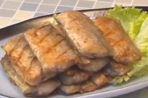 好吃不腻味道美的香煎带鱼