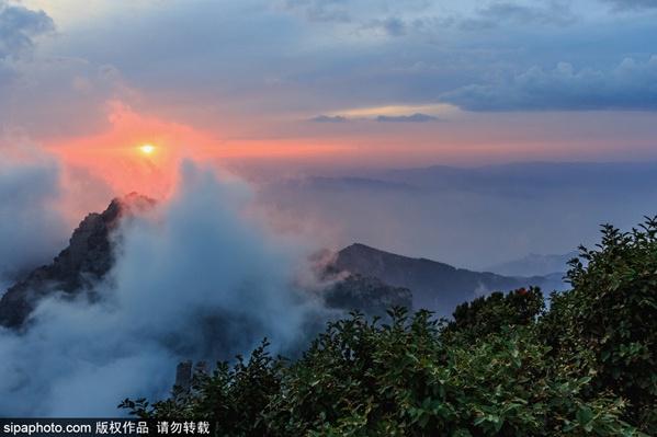 """薄雾为山峦披上轻纱,河北这几处""""仙境""""等您来"""