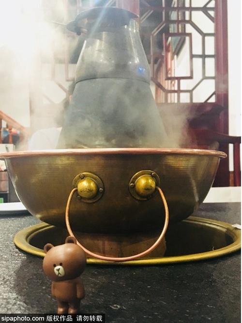 火鍋控看過來,京城銅鍋才正宗