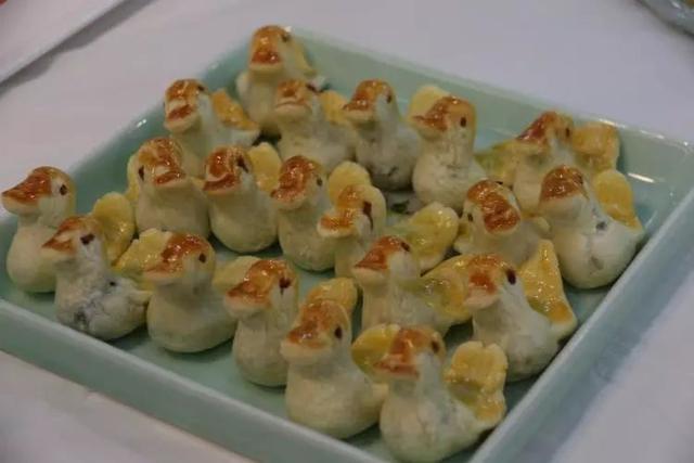 京味文化体验周系列活动之二:全聚德小鸭酥捏制体验