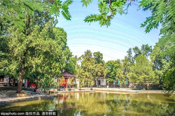 京城游玩最红色之双清别墅