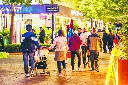 祥云小镇发展夜经济阻碍大 夜间消费需更有生活归属感
