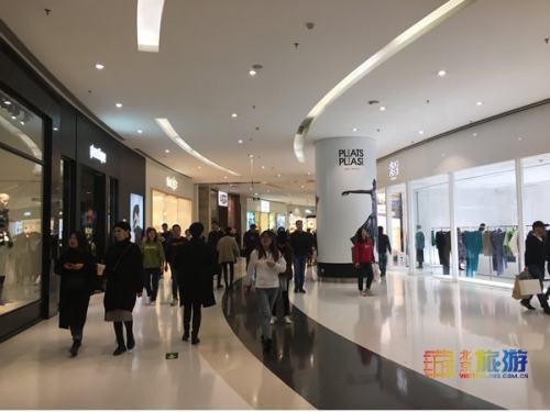 过新年穿新衣,来京城潮流商场购物打卡啦