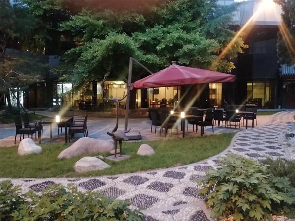 首都宾馆啤酒花园隆重开业!
