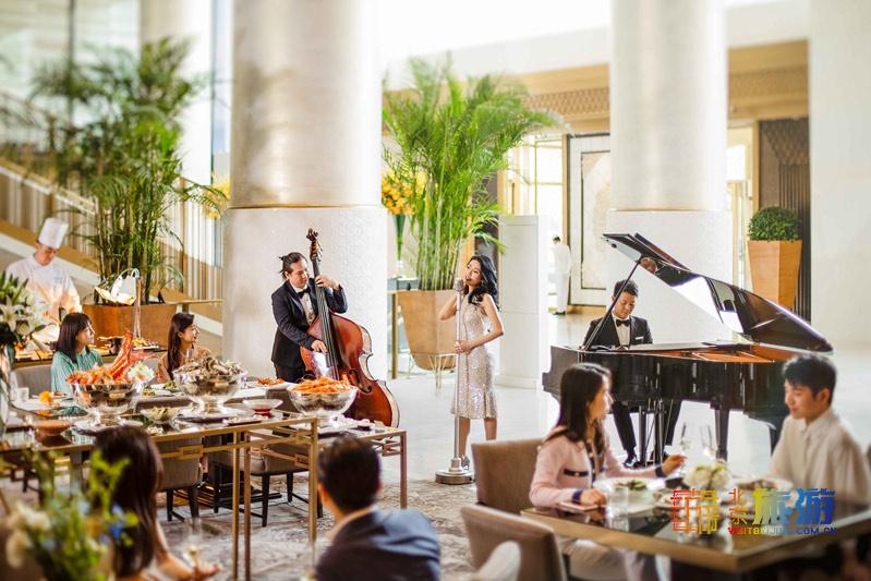 王府半岛酒店大堂茶座爵士周日早午餐,尽享惬意好时光