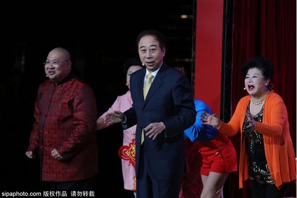 天津市打贏疫情防控阻擊戰主題曲藝專場演出舉行