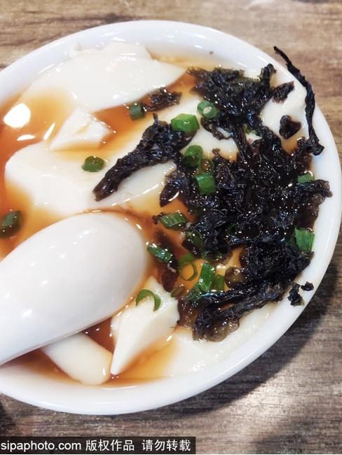 老北京豆腐脑:虽是小吃,堪比佳肴