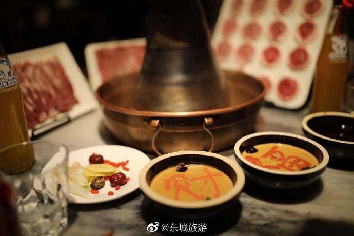北平三兄弟涮肉:簋街高人氣老北京銅鍋涮肉