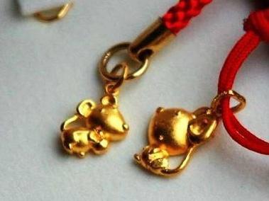 Новогодние товары: «мышиная» символика пользуется большой популярностью