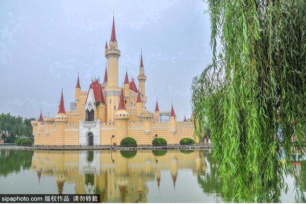 首屆北京網紅打卡地:北京石景山游樂園(摩天輪)