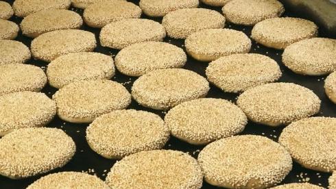 實成吉燒餅鋪:靠著祖傳手藝燒餅出名的小店