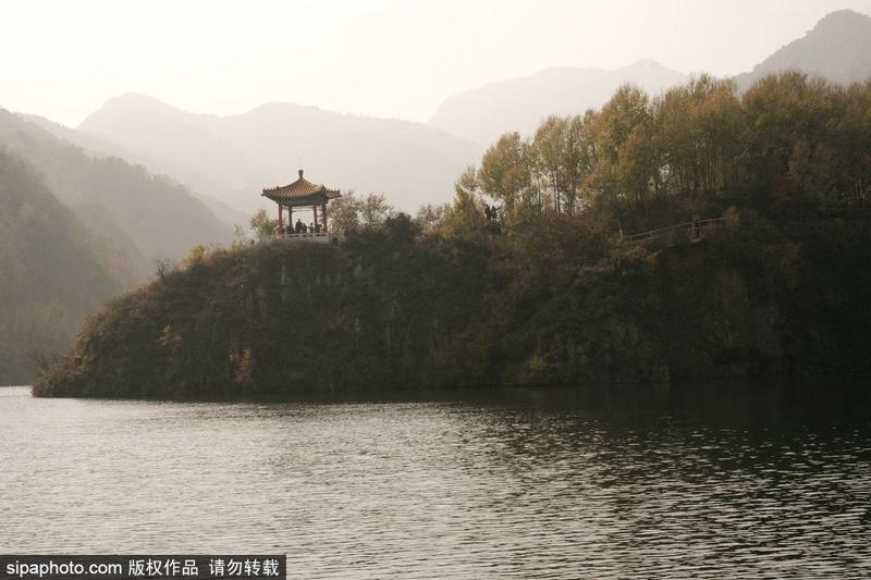 时值九月,北京这里已是一片秋色