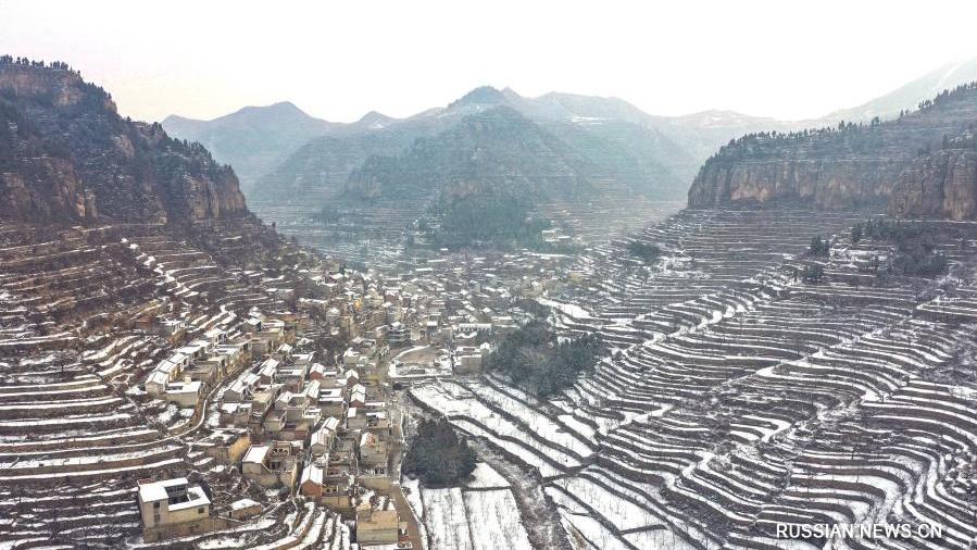 Заснеженные террасированные поля в провинции Хэбэй