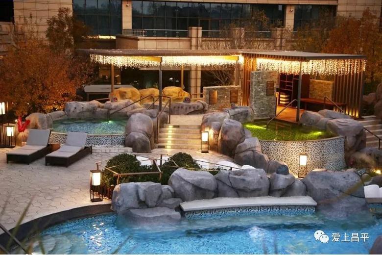 Эти отели с термальными источниками согреют вас зимой!