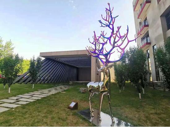 东亿园区打造传媒雕塑艺术公园 免费对社会开放