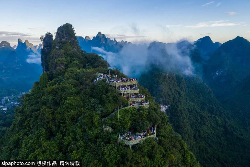 集长江三峡、桂林山水、黄山叠泉为一体的秘境,听说还是