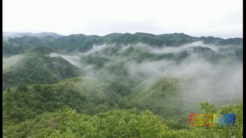 如入仙境!雨后懷柔山間霧氣繚繞 山巒蒼翠欲滴