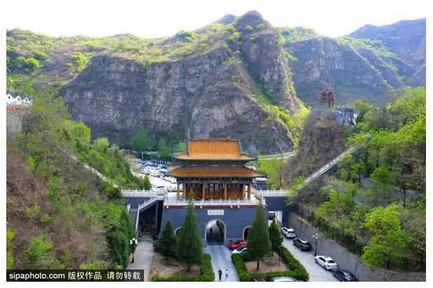 Another popular scenic spot in Beijing is the gathering place of Buddhism and Taoism, which is only 1.5 hours' drive away