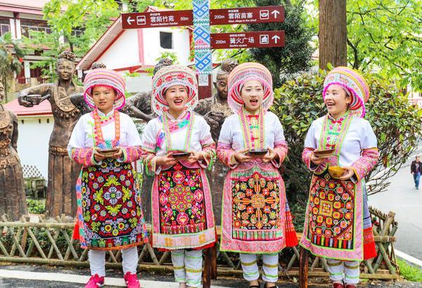 贵州习水土河景区:赏千亩荷塘 游多彩苗乡 一举成为天下知的旅游景区