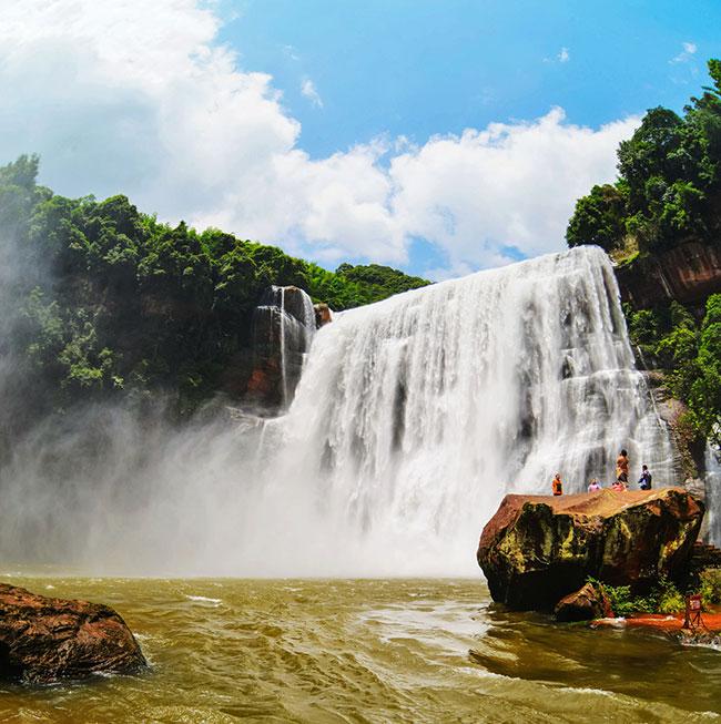 丹霞旅游区:景色壮美 让人流连忘返