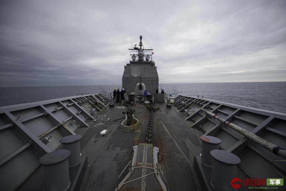 2月15日,美国海军钱瑟勒斯维尔号巡洋舰穿越台湾海峡。