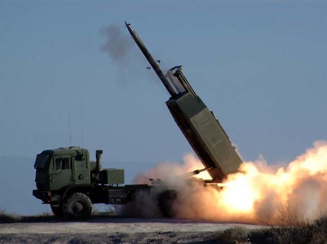 """台防务部门证实,美军""""海马斯""""高机动火箭炮系统(HIMARS)即将售台。图源:""""三立新闻网"""""""