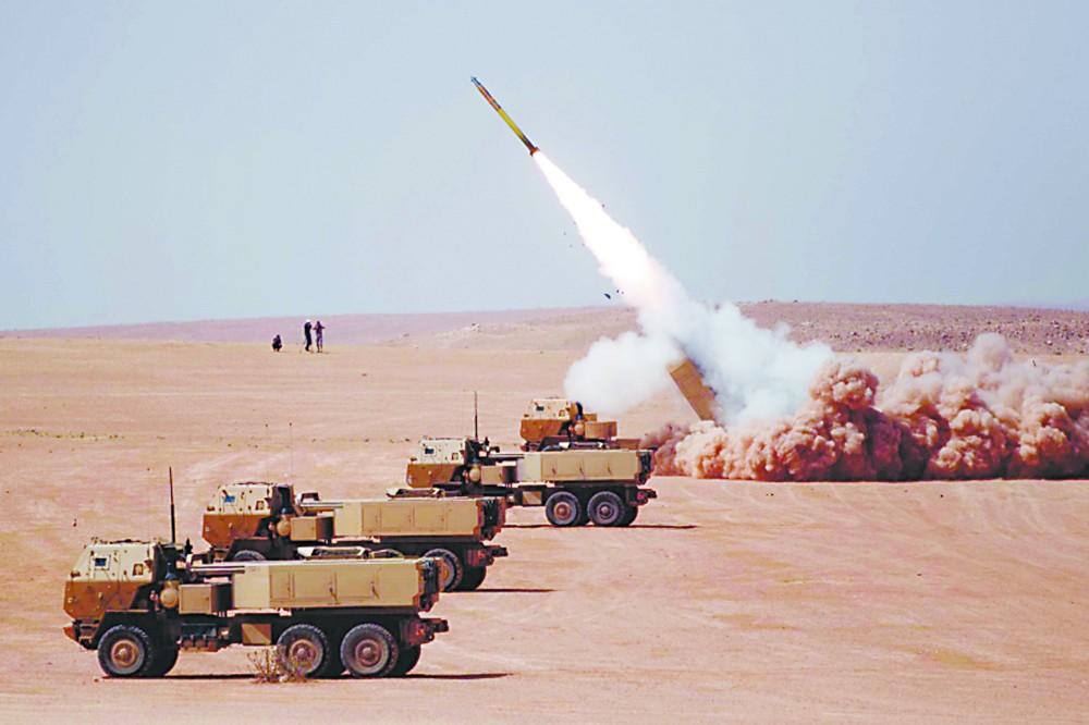 """美陆军曾计划在南海附近部署""""海马斯""""高机动性火箭炮系统"""