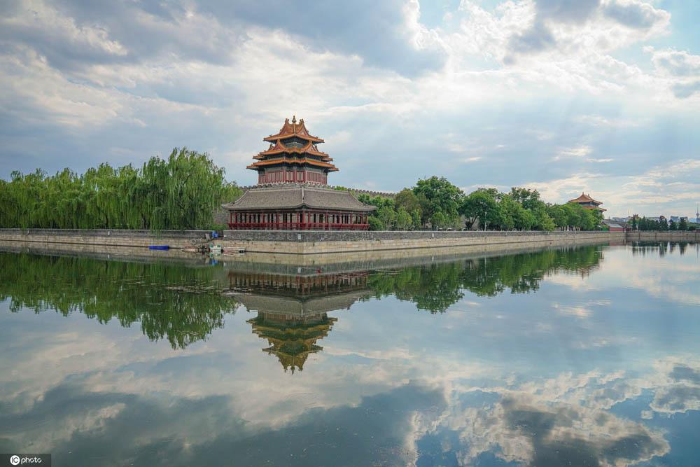 北京角楼风景迷人 吸引众多摄影爱好者拍照留念
